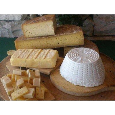 Alimentari Cardis - Formaggi e latticini - vendita al dettaglio Sappada