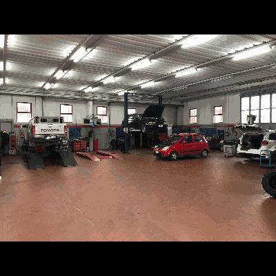 Autocentro snc - Autofficine e centri assistenza Pian Lungo